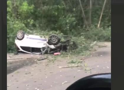 ДТП: вылетела с трассы и перевернулась машина