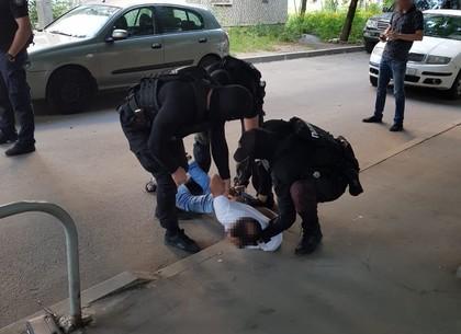 Иностранца, разыскиваемого Интерполом за похищение человека, задержали в Харькове