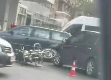 ДТП: в центре Харькова сбит мотоциклист