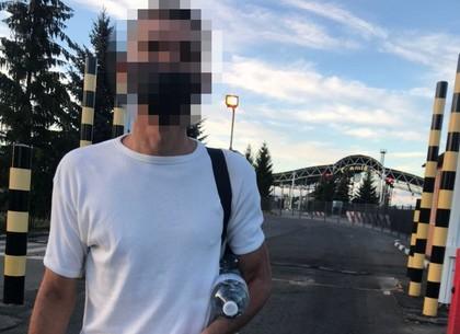 Отсидевшего уголовника отправили домой в Россию