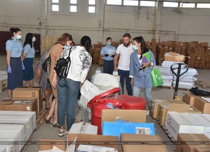 Харківським лікарням передали гуманітарну допомогу для боротьби з коронавірусом