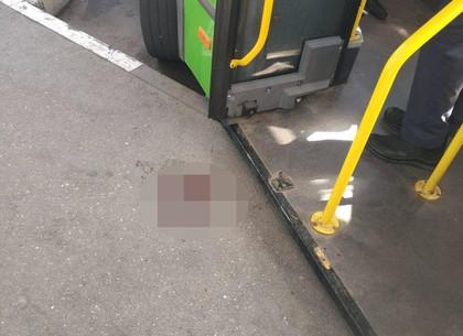Маршрутка сбила женщину на терминале (ГУ Нацполиции)