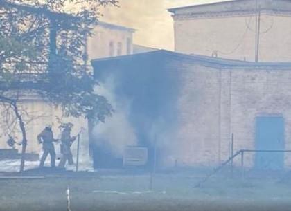 В Харькове горит электроподстанция возле колонии (ГСЧС)