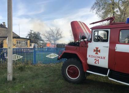 ФОТО: Заготовленные на зиму дрова сгорели в пожаре (ГСЧС)