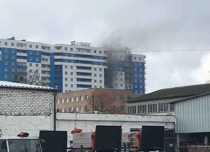 ВИДЕО: В новостойке на Зерновой – пожар (Соцсети)