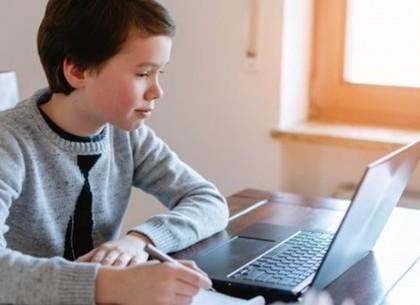 В Харьковских школах вводится дистанционный режим обучения (ХГС)