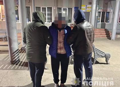 Ударил сожительницу топориком по голове: полиция задержала ревнивца (ГУ НП)