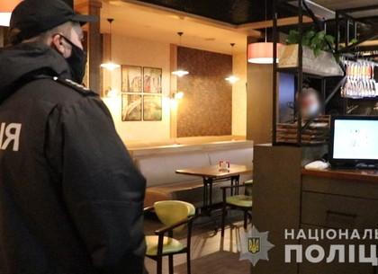 ВИДЕО: После 22.00 полицейские отправились в рейд по ресторанам и ночным клубам (МВД)