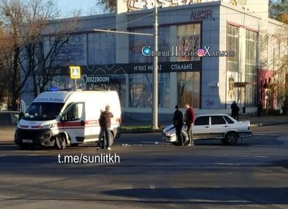 ДТП: На Качановке ВАЗ врезался в скорую помощь (Патрульная полиция)