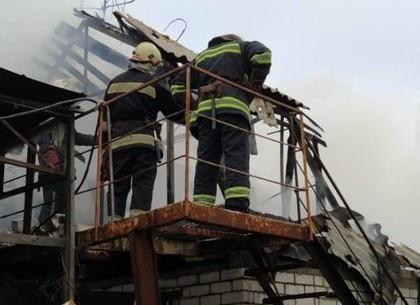 ФОТО: Спасатели потушили пожар на Основе (ГСЧС)