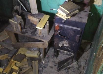 Пожар на Рогани: мужчина грелся у буржуйки и получил ожоги (ГСЧС)