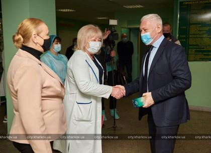 Игорь Терехов посетил Городскую поликлинику №8 на Алексеевке