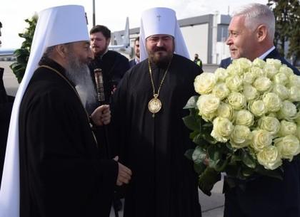Митрополит Киевский и всея Украины Онуфрий проводит Божественную литургию в Харькове (Прямая трансляция)
