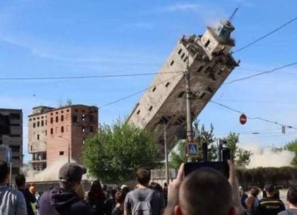 В Харькове снова взрывают заброшенный элеватор: в воскресенье по улице Котляра запретят движение