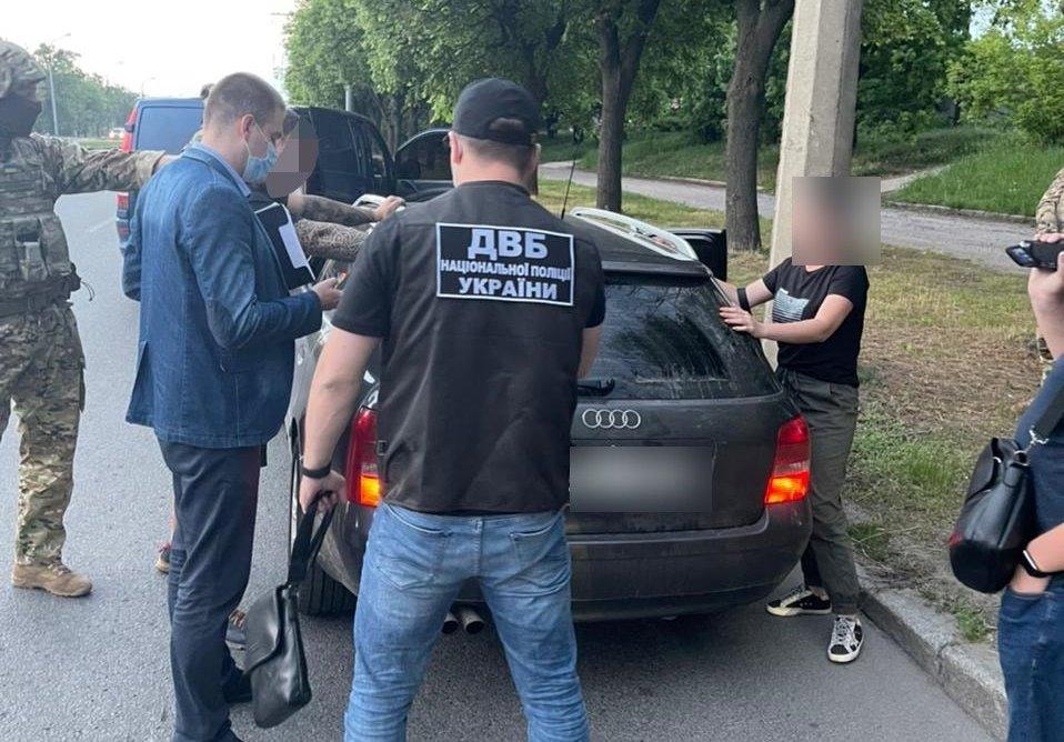 В Харькове задержали блогера, оскорблявшего полицию