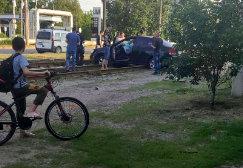Странное ДТП: в Харькове водила застрял, остановив движение