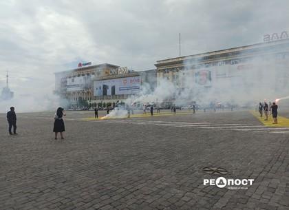 На центральной площади Харькова – фаер-шоу в честь возрождения «Металлиста»
