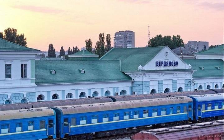 В июне добавилось два поезда, следующих из Харькова на море