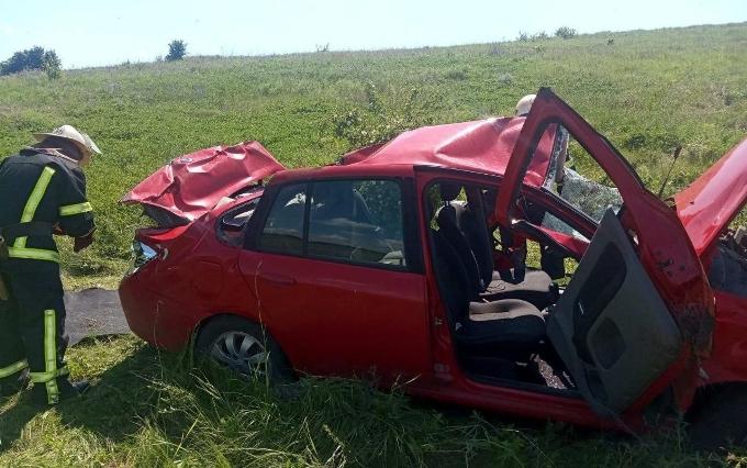 ДТП Харьков: возле села Шестаково по трассе на Старый Салтов автомобиль вылетел в кювет