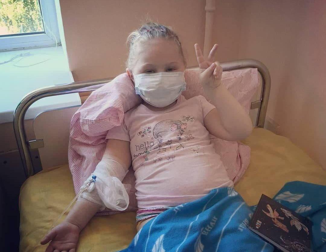В Харькове собирают средства на лечение 6-летней Мелании