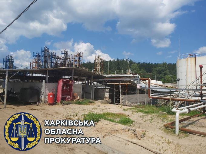 Подпольный нефтеперерабатывающий завод закрыли под Харьковом
