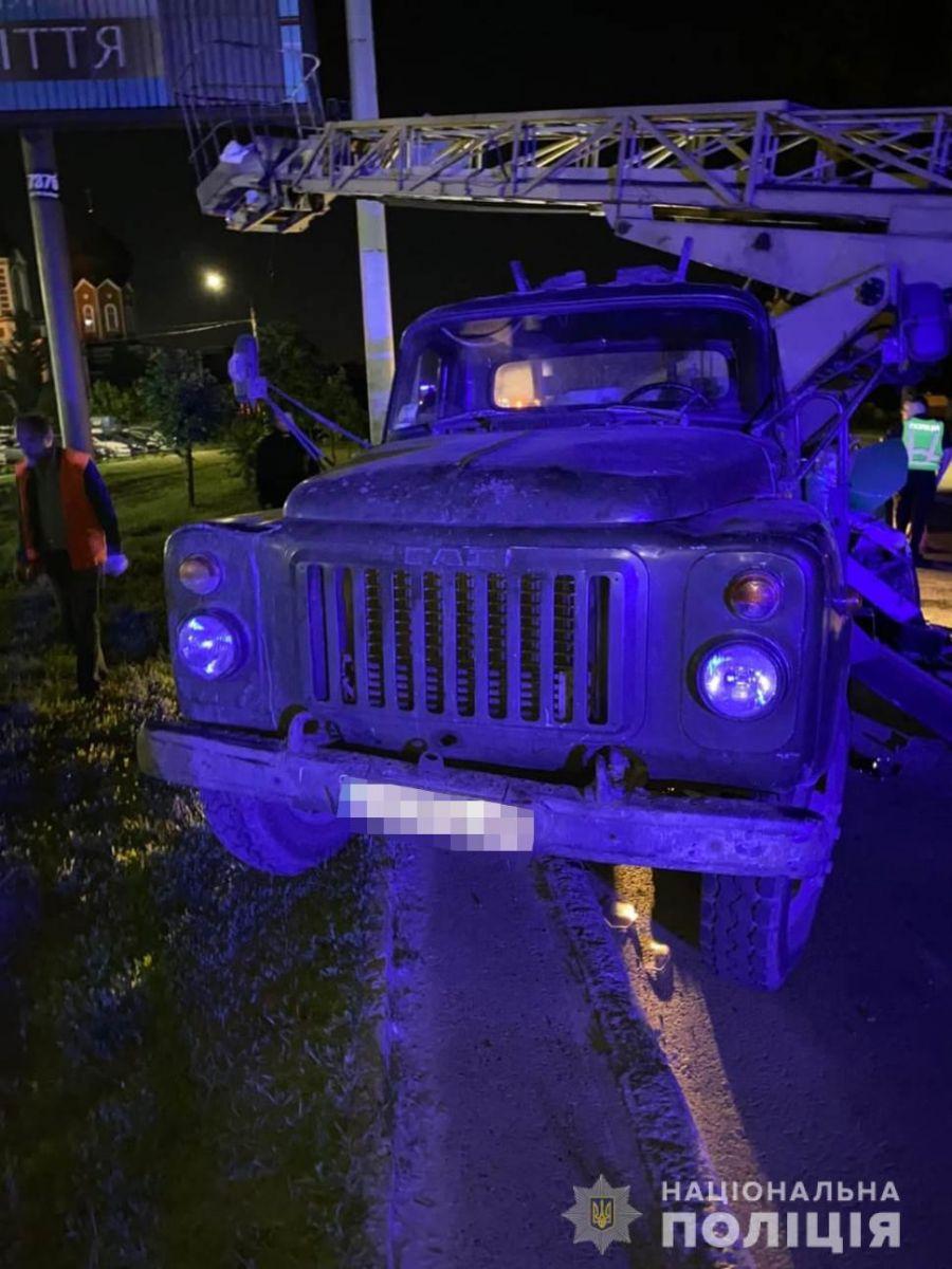 ДТП Харьков: разыскиваются свидетели ночного столкновения легковушки и грузовика