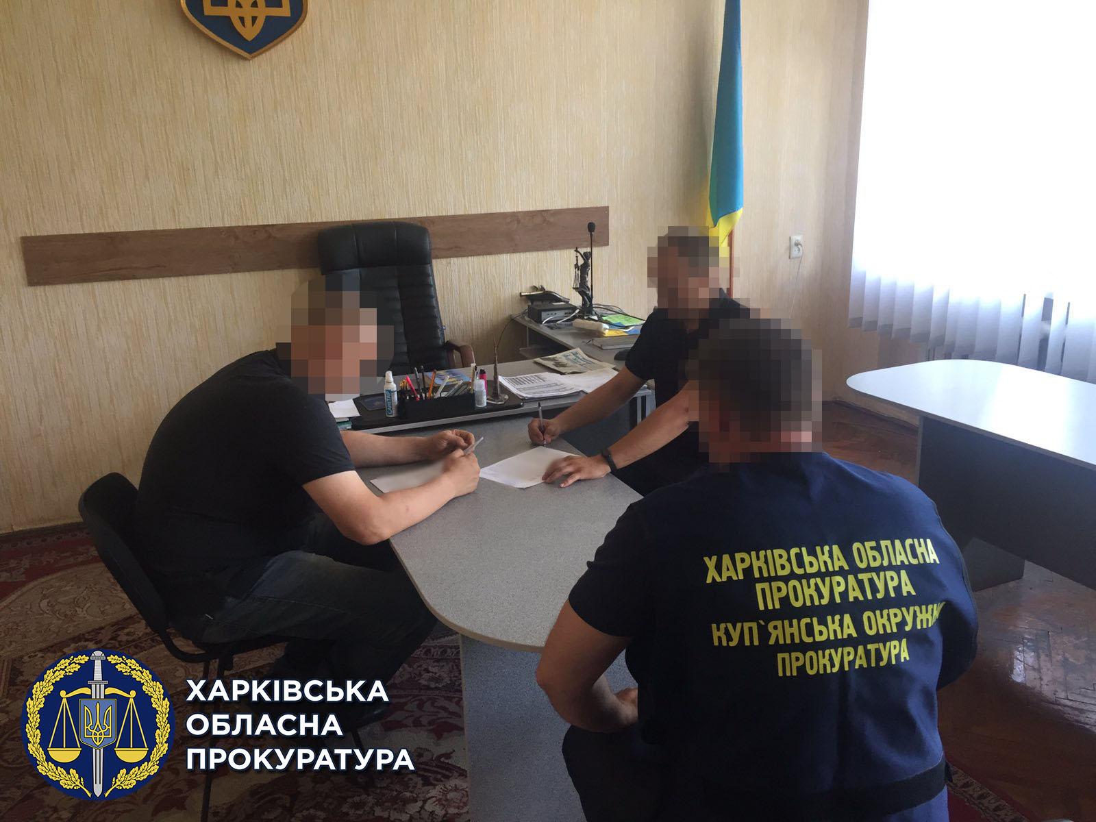 300 000 гривен переплатили за строительство футбольного поля на Харьковщине