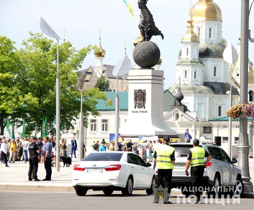 В Харькове 300 тысяч празднующих будут охранять 3 000 полицейских. Новости Харькова