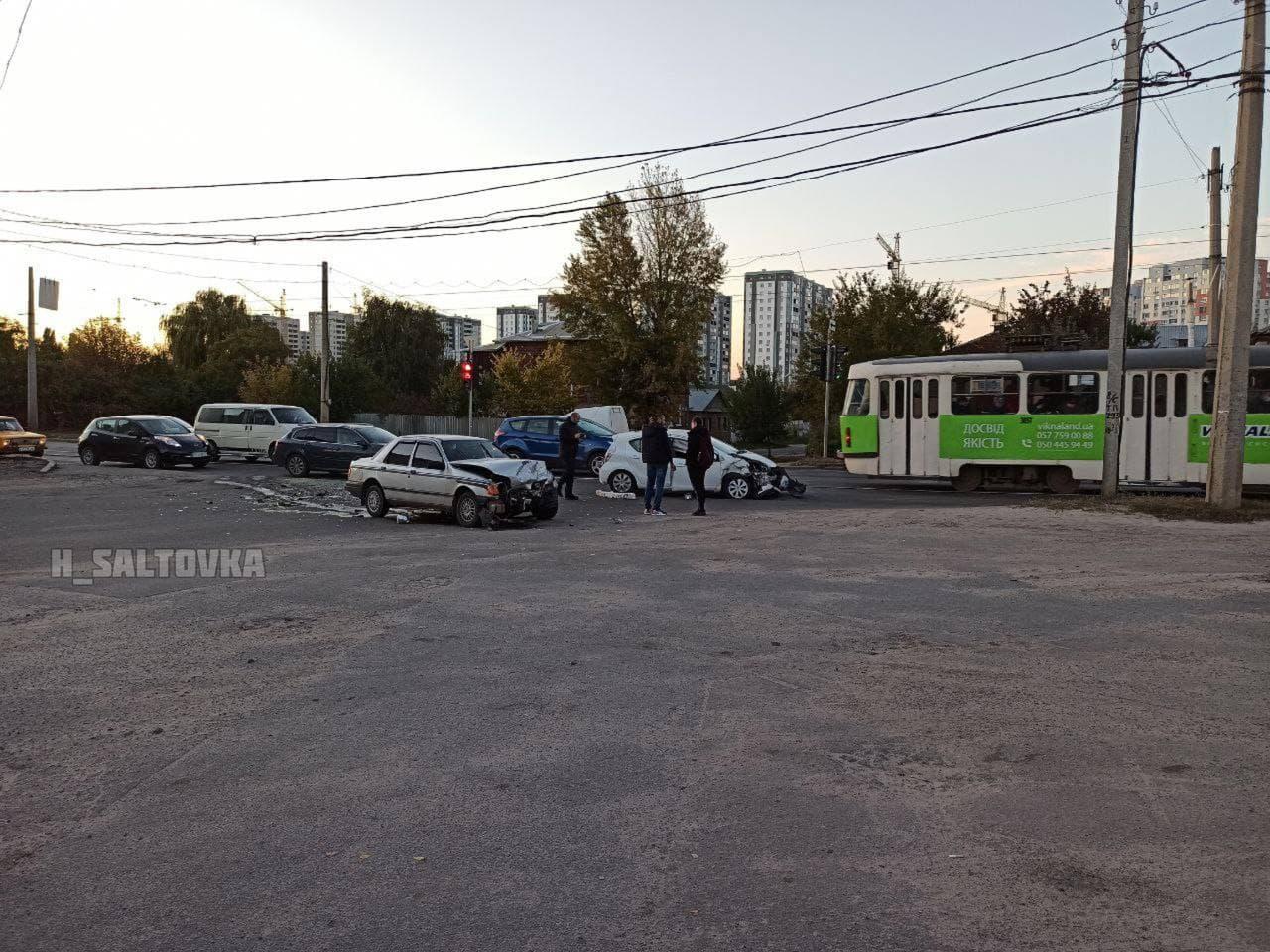 ДТП Харьков: Разбились два авто, не поделив перекресток Гольдберговской и Елизаветинской