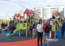 Детскую площадку открыли на улице Родниковой, 9а. Новости Харькова