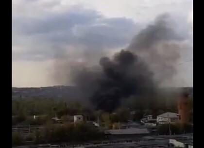 Пожар на Салтовке: в Харькове боролись с пожаром за Эпицентром (видео)